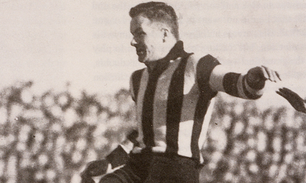 Gordon Coventry became the first man to kick 1000 goals in VFL/AFL history in Collingwood's draw with Geelong, 80 years ago.