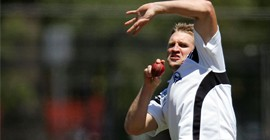 Magpies beat Demons...in cricket
